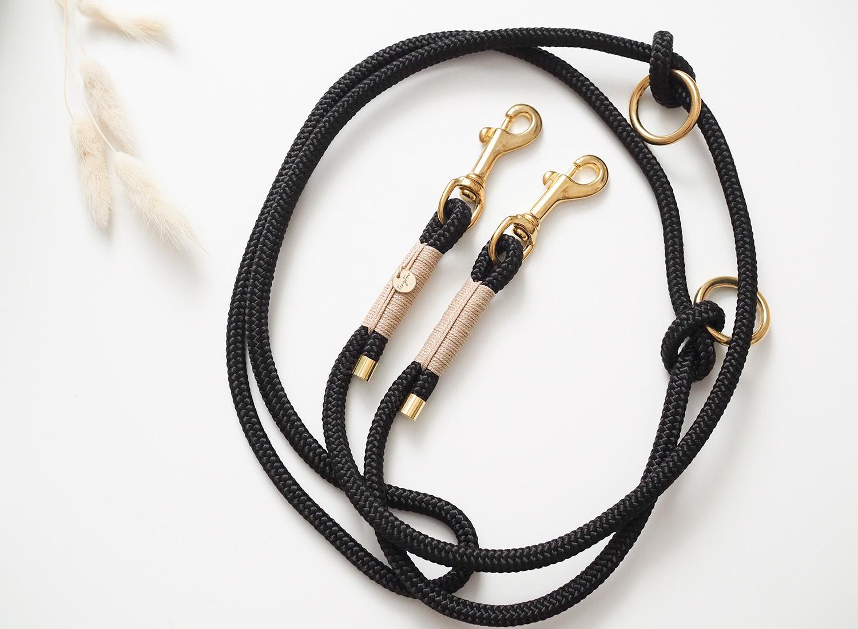 Hundeleine aus Tau in schwarz. beige mit goldenen Karabinern